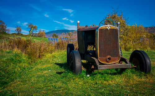Love the look of this tractor at the Cider Mill!