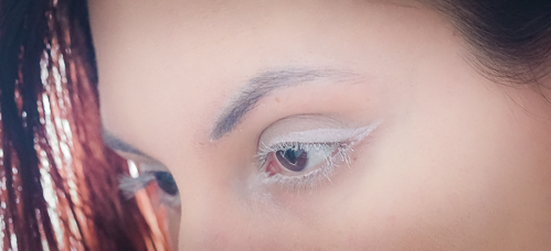 Bloody Mary Mascara in White