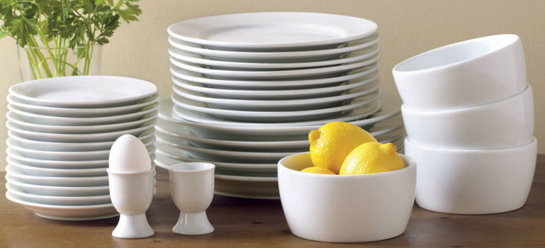 classic and durable: tag white porcelain dinnerware