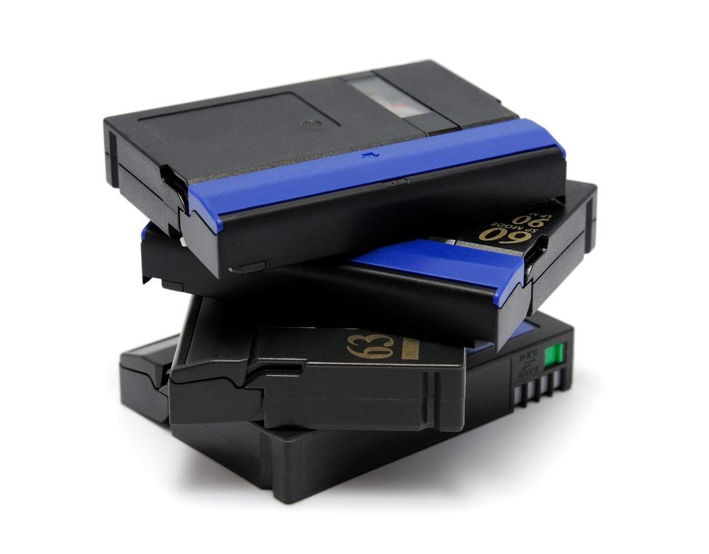 Copy videotapes to file or DVD. Old videotapes to Quicktime file or DVD