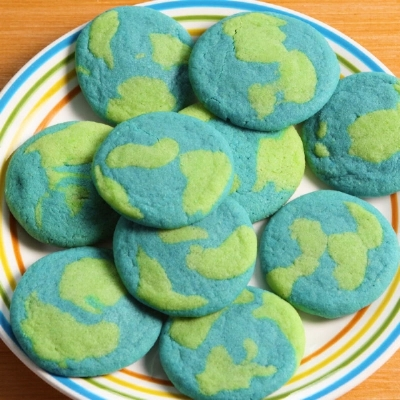 landscape-1492653550-delish-earth-day-cookies-001.jpg