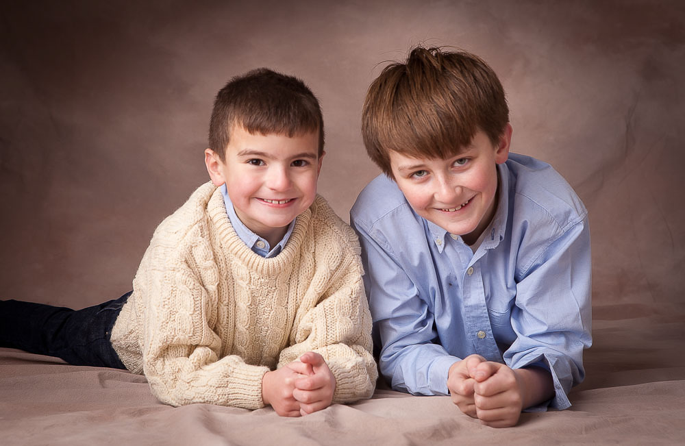 Concord_studio_portrait_boys_on_belliesx.jpg