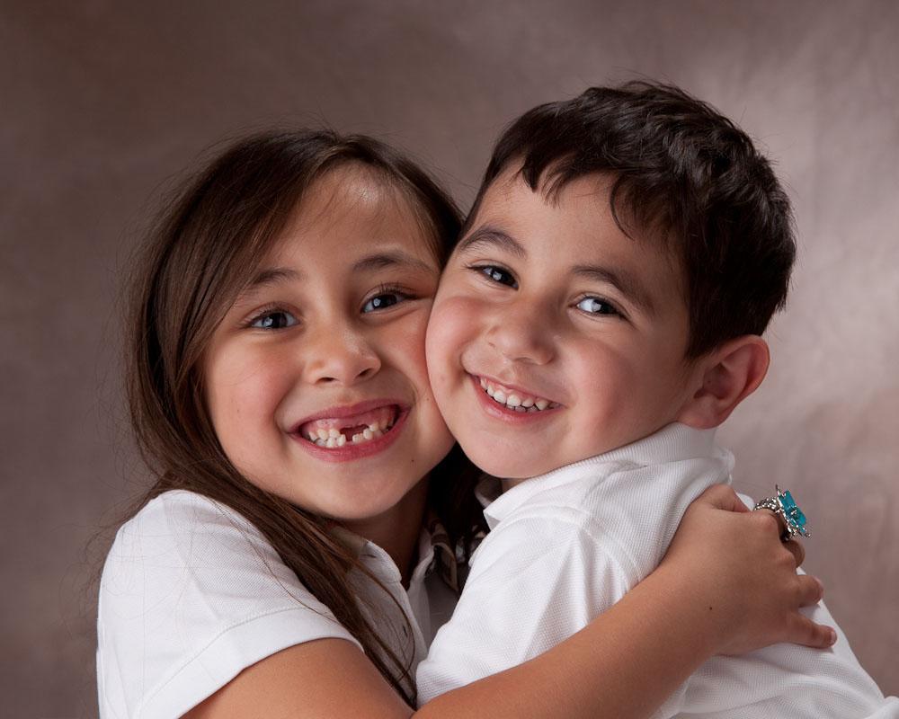 Concord_studio_portrait_siblingsx.jpg