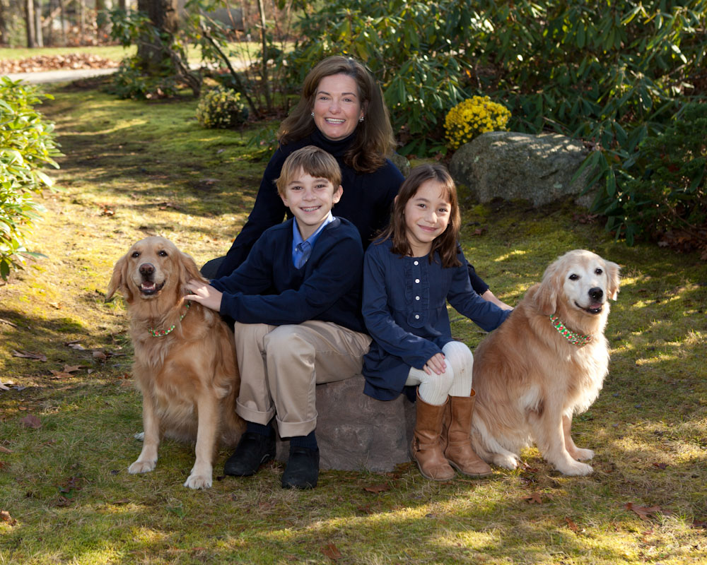 concord_mom_children_pets_portrait_garden.jpg