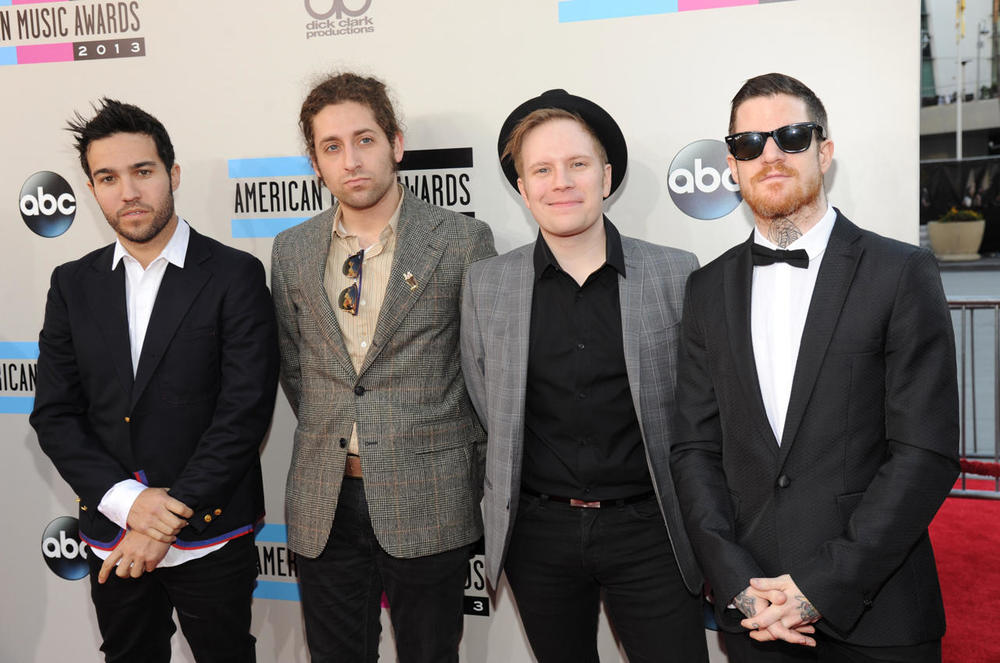 AMA-FALL OUT BOY.jpg