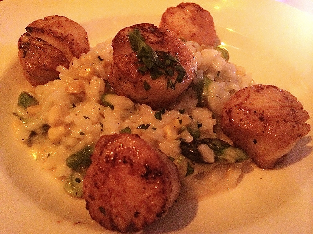 Dinner was superb at Sons of Essex in the Lower East Side. Asparagus risotto with grilled scallops.