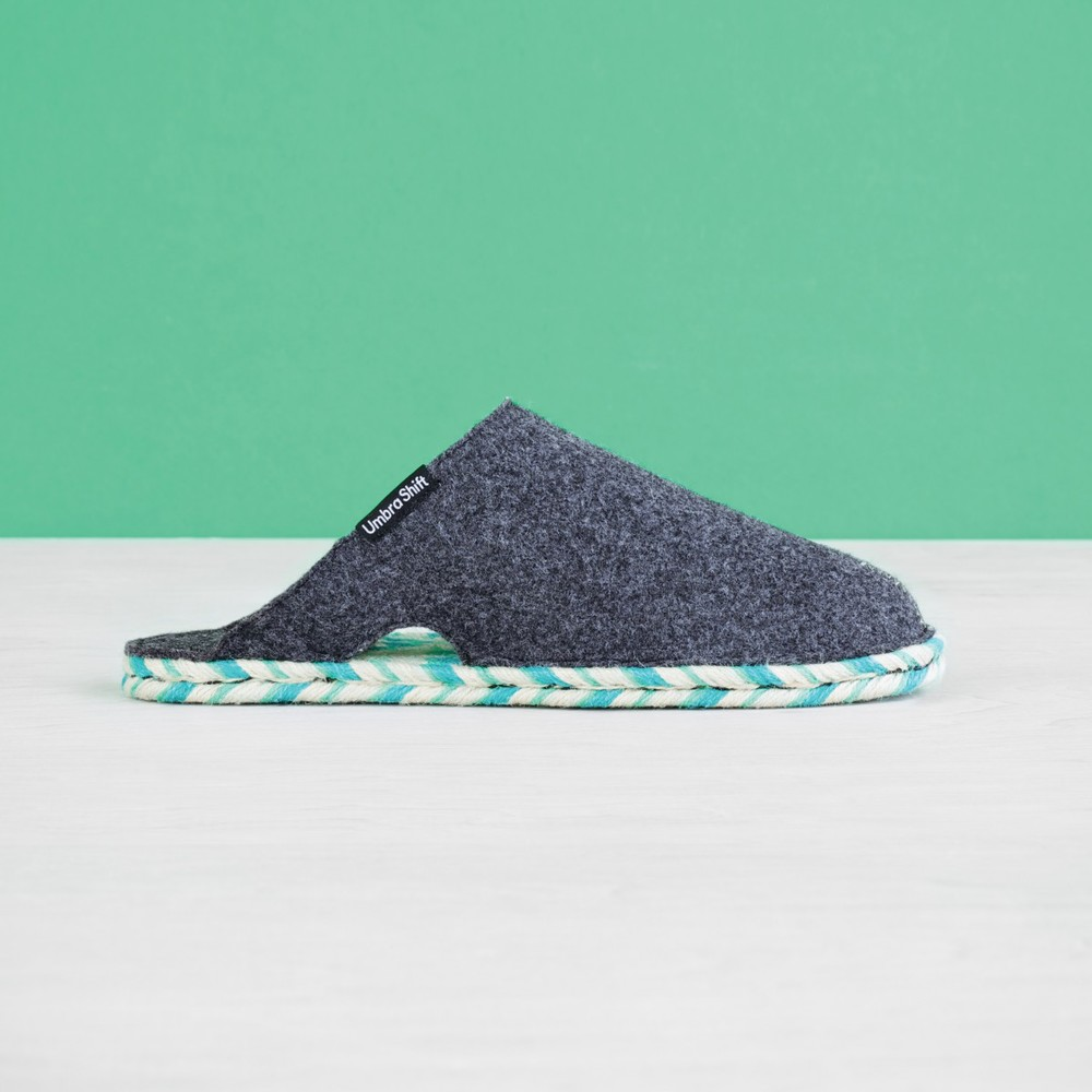 880130-555-felt_house_slippers-001_3_1.jpg