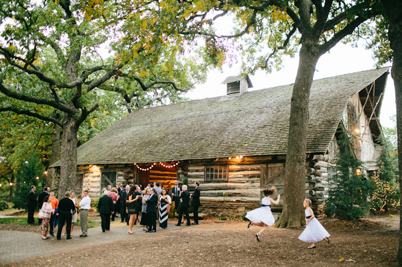 JoshMcCullock_Tulsa_barn_wedding-26.jpg