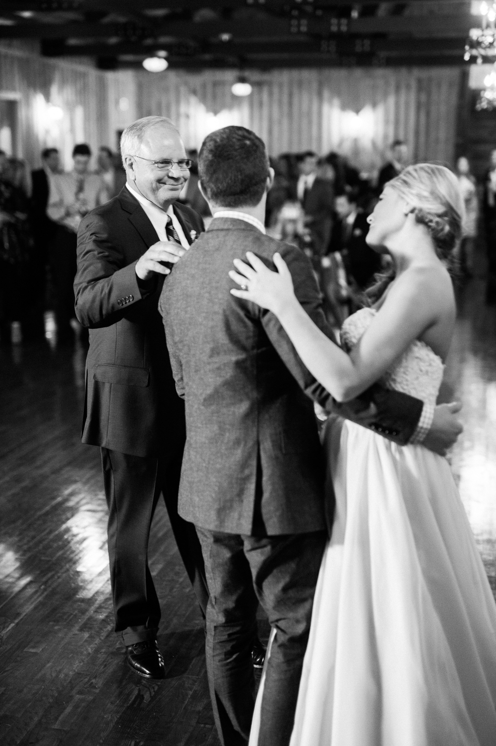 Chisolm_Springs_Wedding_OKC_Film_photographer-20.jpg