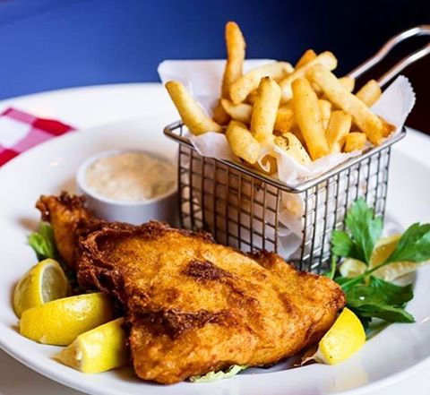 Happy #fryday and Memorial Day Weekend! Let the food and fun in the sun begin 🇺🇸🍟 #mdw #happyfriday #friedday #oysterbarbk #eeeeeats