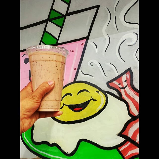 Goodmorning y'all!! Here's  to you!!! . . . 📍@sandwichtimedeli 📷 @mikeangelini 🙌 tag a buddy @dhartii.p  #goodmorning #fresh #smoothie #real #fruits #smoothietime #healthyfood #healthysmoothie #smoothielife #dontcountcalories #protien