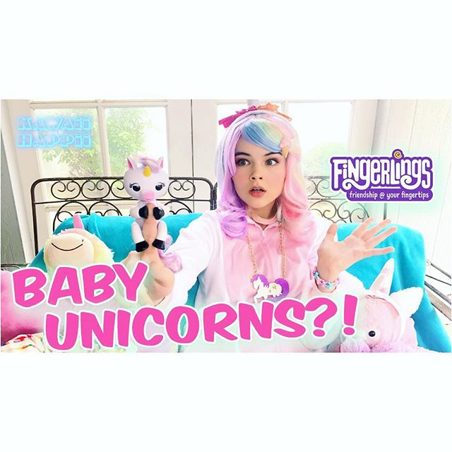 Rainbow glitter unicorn party 🌈✨🦄🎉 check it out on @kawaiihappii link in bio 👆🏻Thank you @wowwee for my new unicorn friend #Gigi ! A @toysrus exclusive! She's so #kawaii ! 💕 #fingerlingsfriday ✨ Special thanks and hugs to @mintymixshop for my perfect rainbow unicorn hair~ 🦄 #freeproduct
