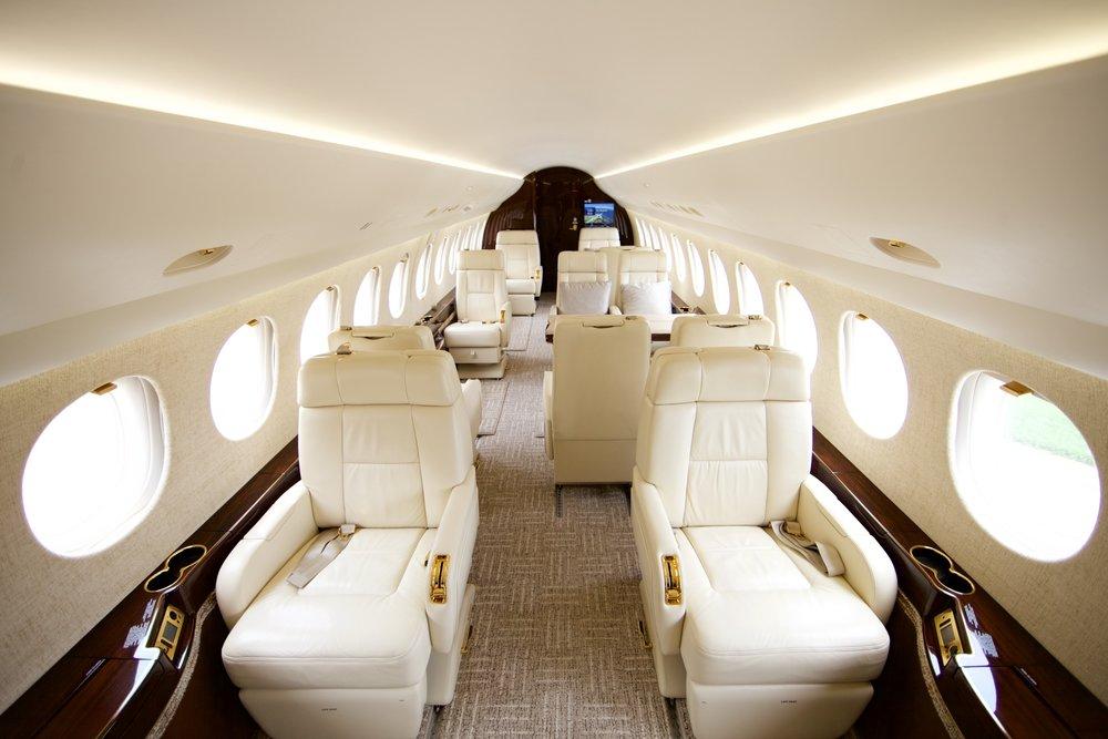 Falcon7X_interior.jpg