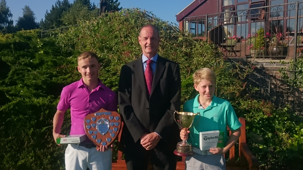 Left to Right: Jake Bailey (Scratch Winner), Martin Scott (Club Captain), & Joe Ford (Handicap Winner)