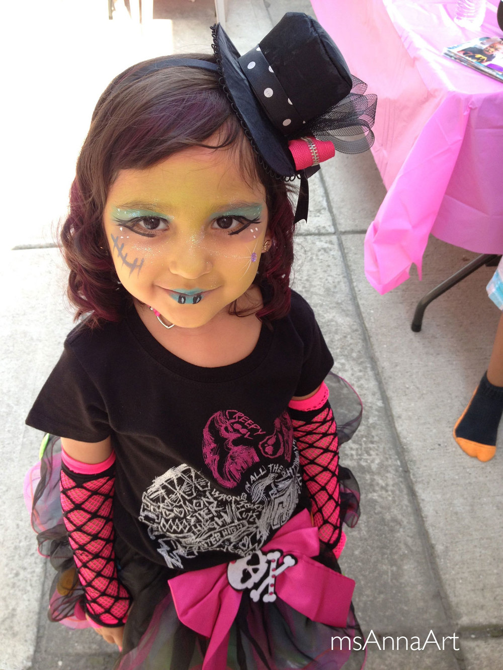 Monster High 5th Birthday, a true artist in the making.