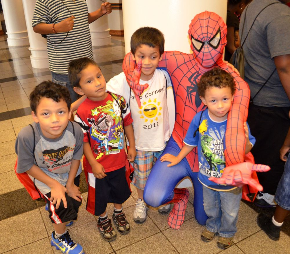 Spiderman and 4 kids at CC4K.JPG