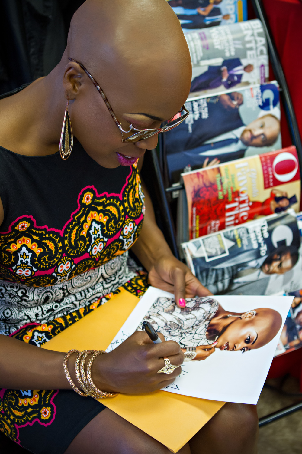 "R&B Singer Shelby ""J"" Signs autographs at Star Power Charity's ""Mother's Day Makeover for Homeless and Abused Women"" event"