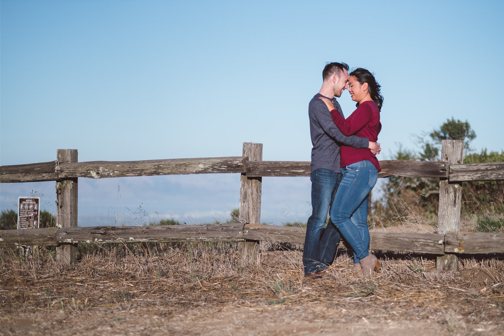Windy-Hill-Open-Space-Preserve-Palo-Alto-Engagement-Photography-001.jpg