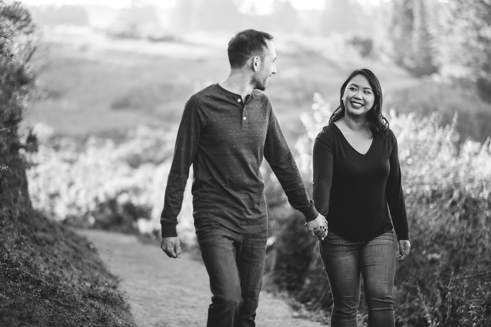 Windy-Hill-Open-Space-Preserve-Palo-Alto-Engagement-Photography-004.jpg