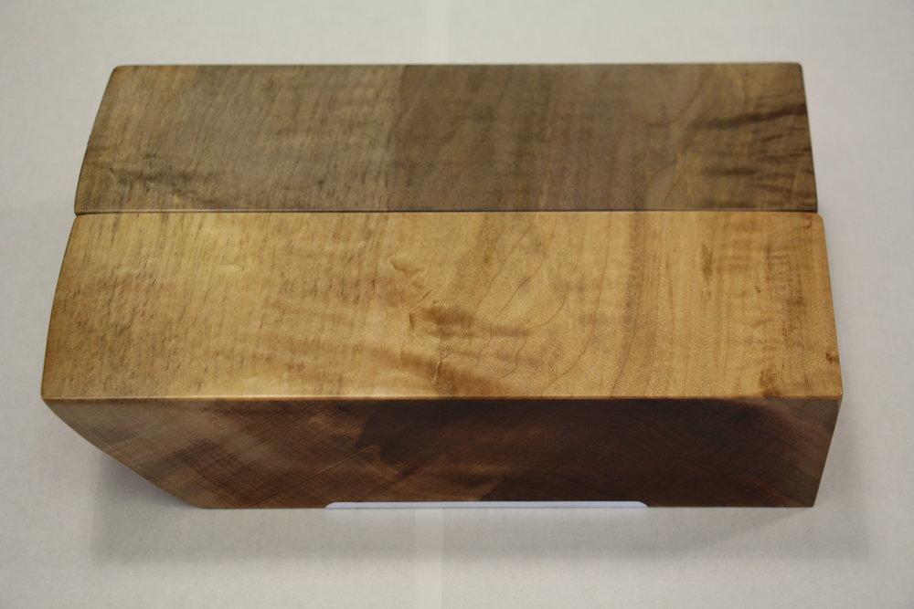 Maple / live edge / smooth / light oxide vs. natural / polyurethane