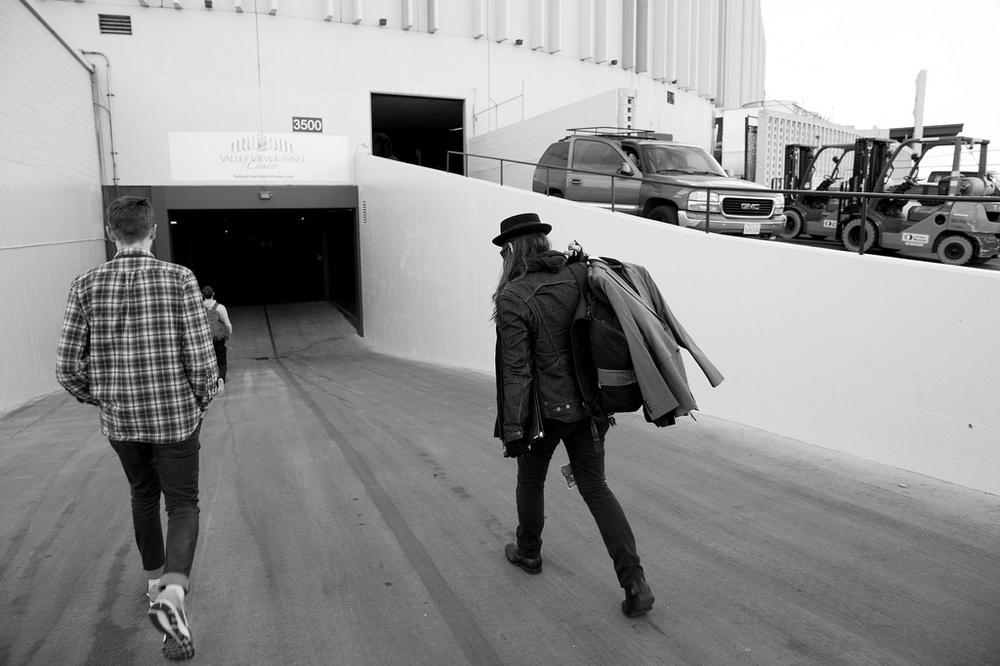 Arriving at the Sports Arena in the afternoon, and walking down the infamous ramp from Almost Famous - Photo by The Joelsons