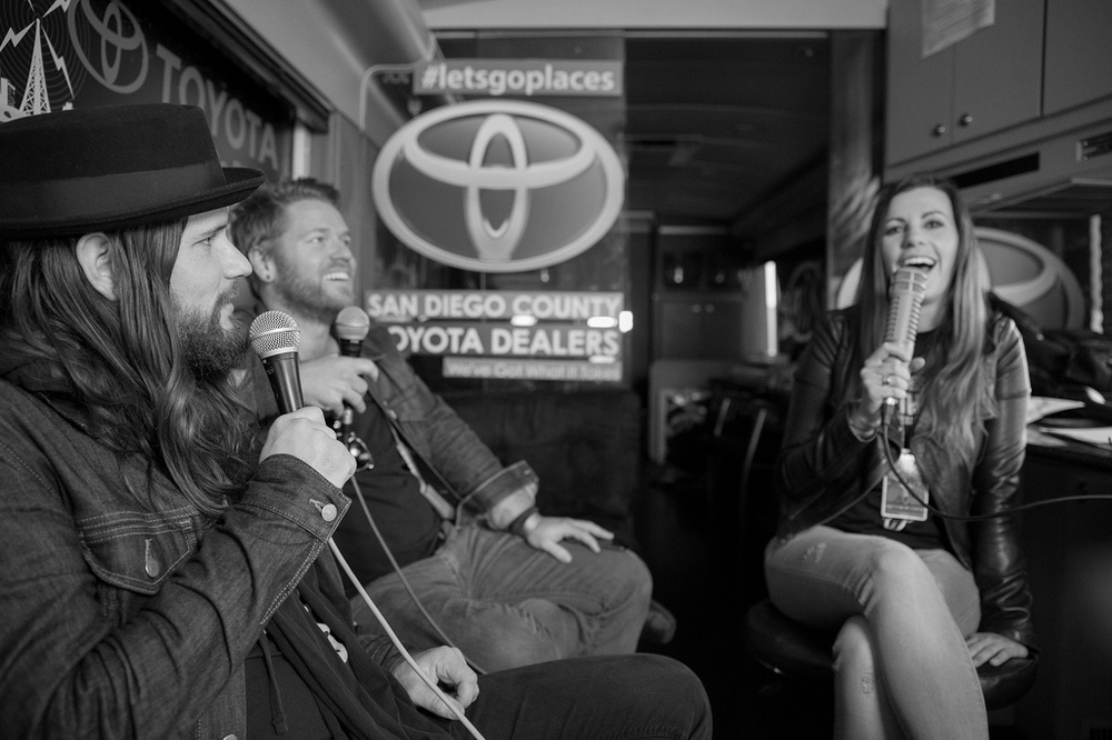 Josh and Jere stopped by the 91X tour bus to catch up with Christy Taylor on air - Photo by The Joelsons