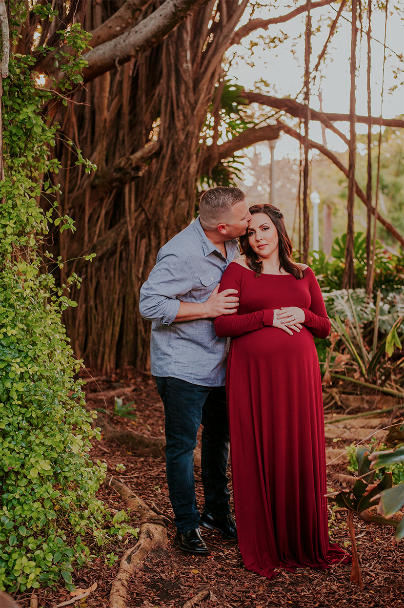©2009-2018PHOTOGRAPHERMICHELLESARKISSIANLLC._LESLEEMATERNITY-1.jpg