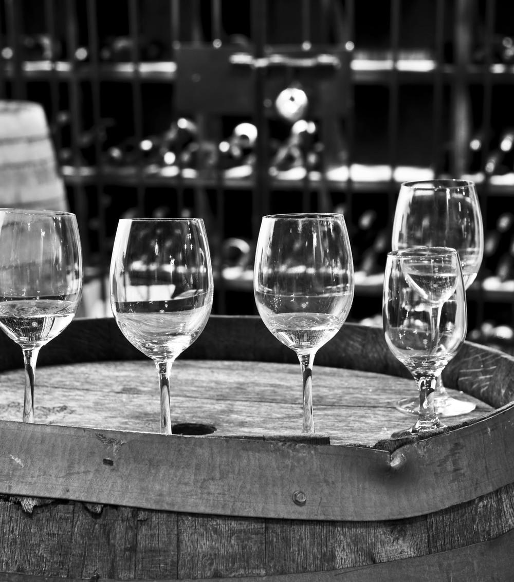 wine bw.jpg