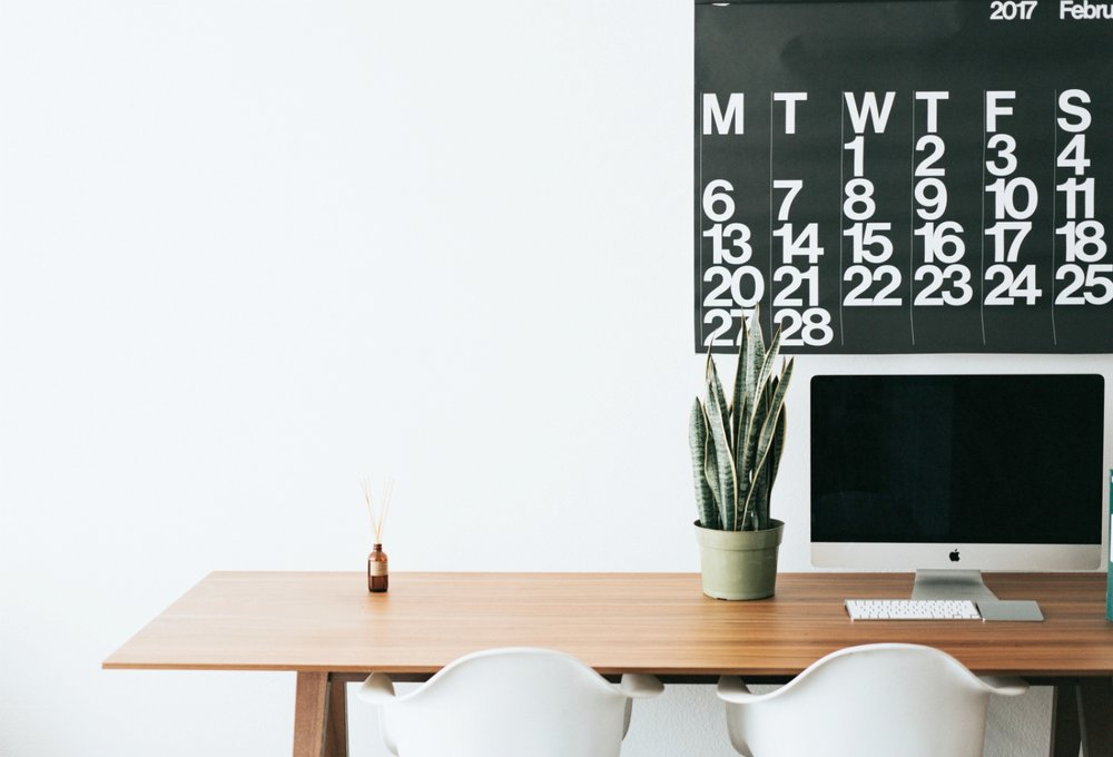 desk-plant-calendar.jpg