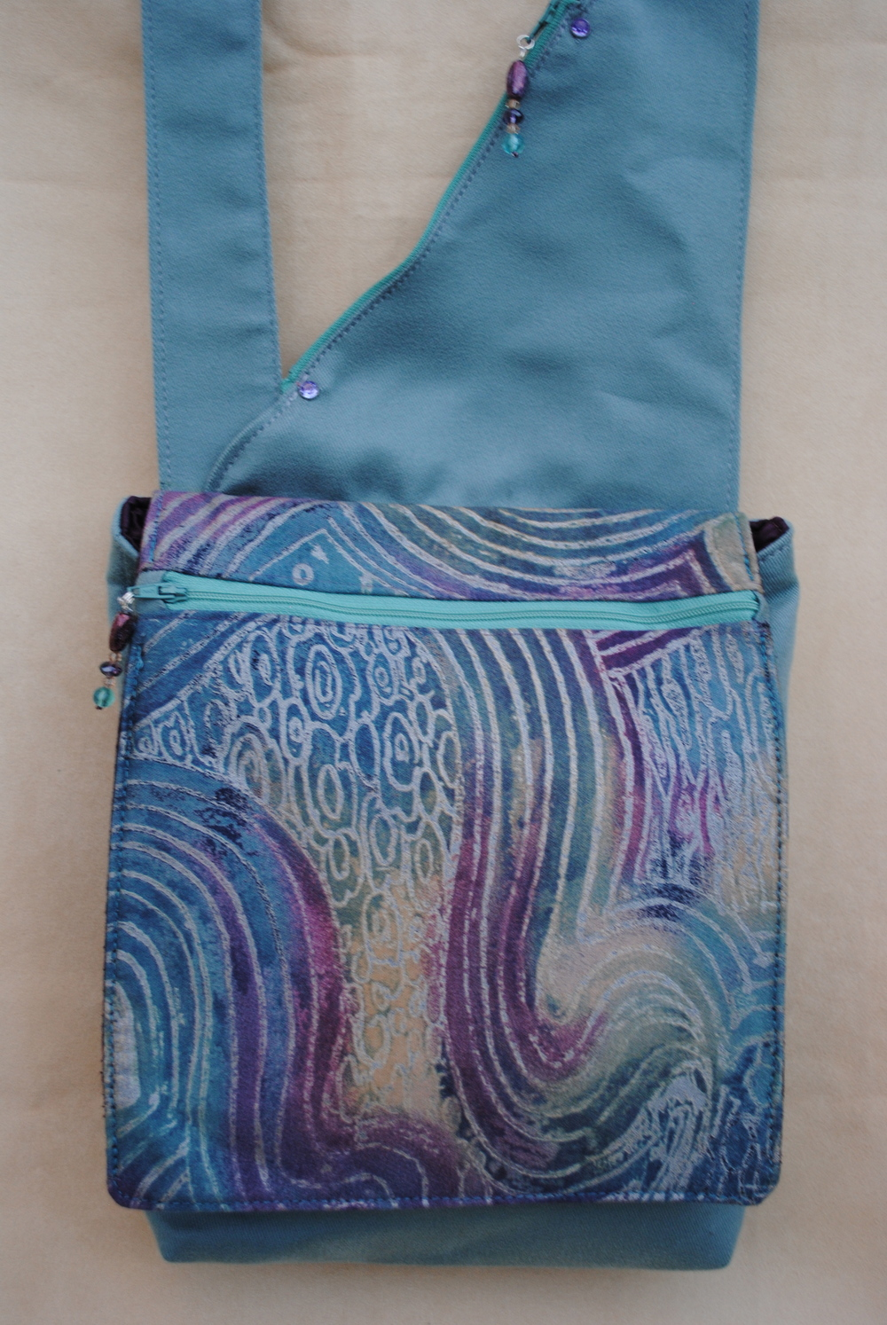 Xanadu Purple and Teal Messenger