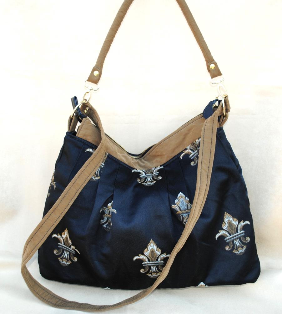 Fleur d'Lilly Messenger Bag