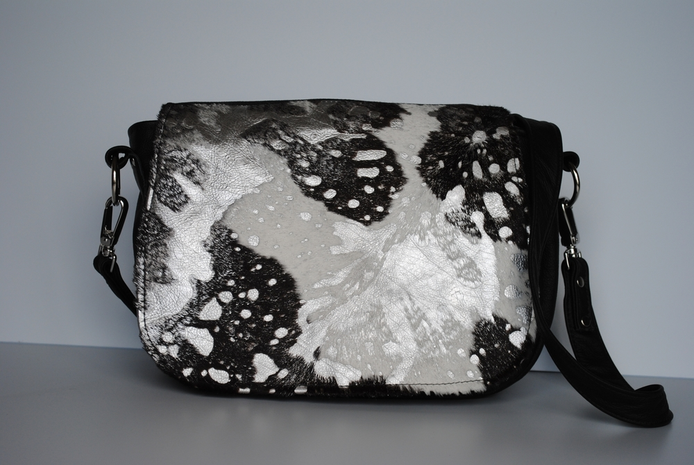 Black and Silver Cowhide All Leather Versatile Messenger Bag