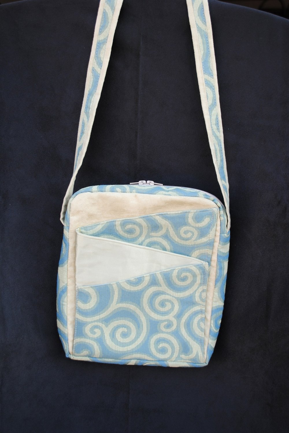Sea Breeze Swirls Zig Zag Messenger Bag