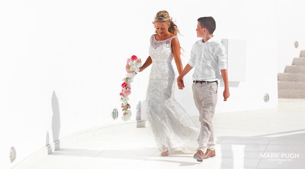 043 - Kerry and Lee - Destination Wedding in Santorini by www.markpugh.com -0425.JPG