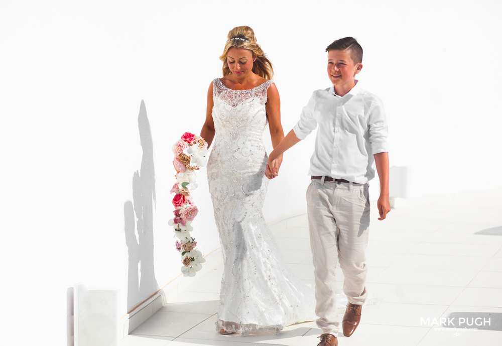 044 - Kerry and Lee - Destination Wedding in Santorini by www.markpugh.com -0429.JPG