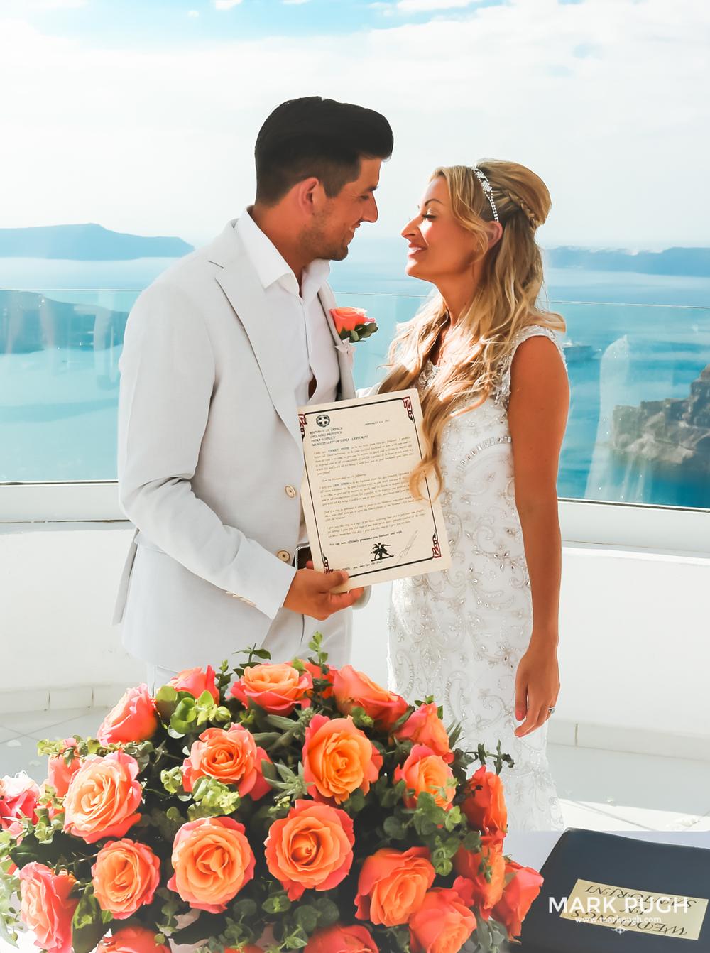 087 - Kerry and Lee - Destination Wedding in Santorini by www.markpugh.com -0603.JPG