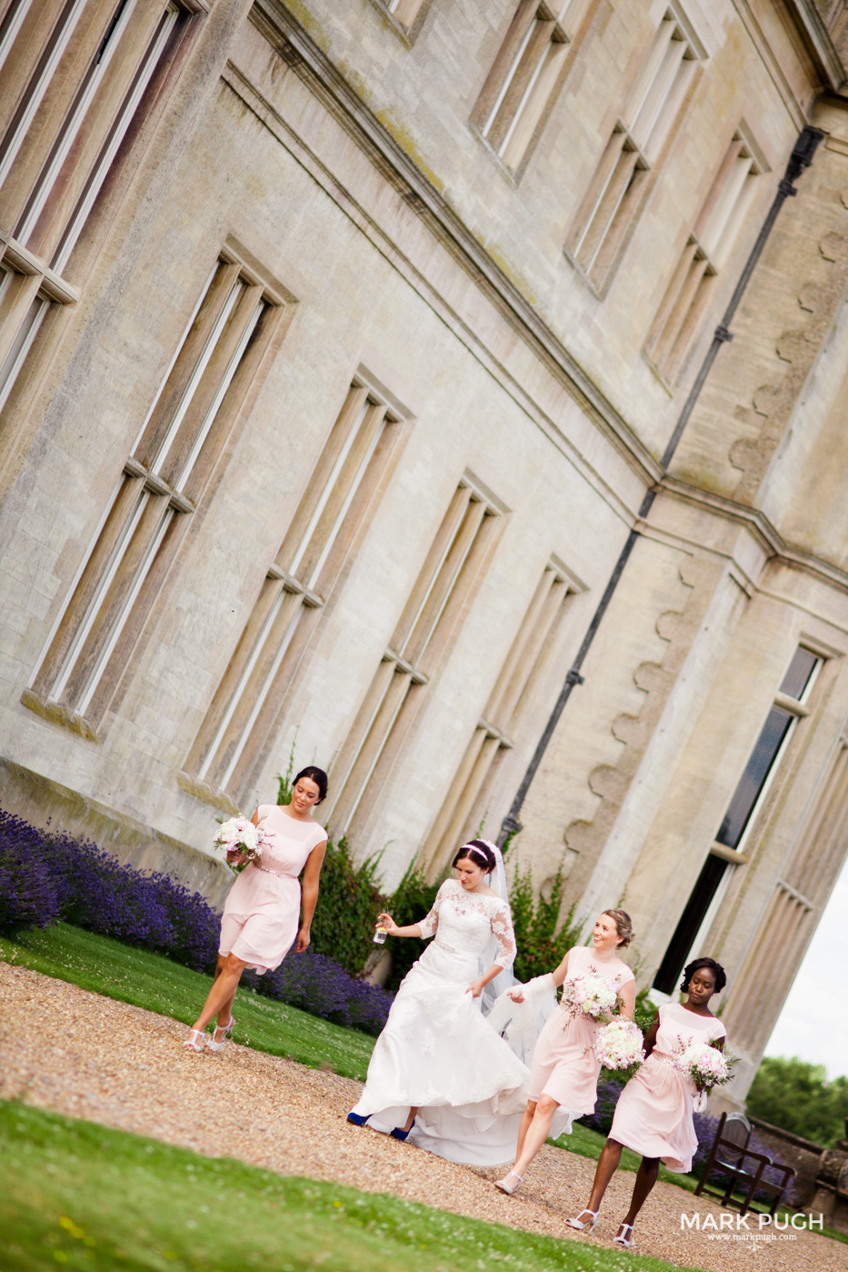 108 Laura and Matt - Stoke Rochford Hall Wedding by Mark Pugh www.markpugh.com - Do not edit or crop this image without consent 2.jpg