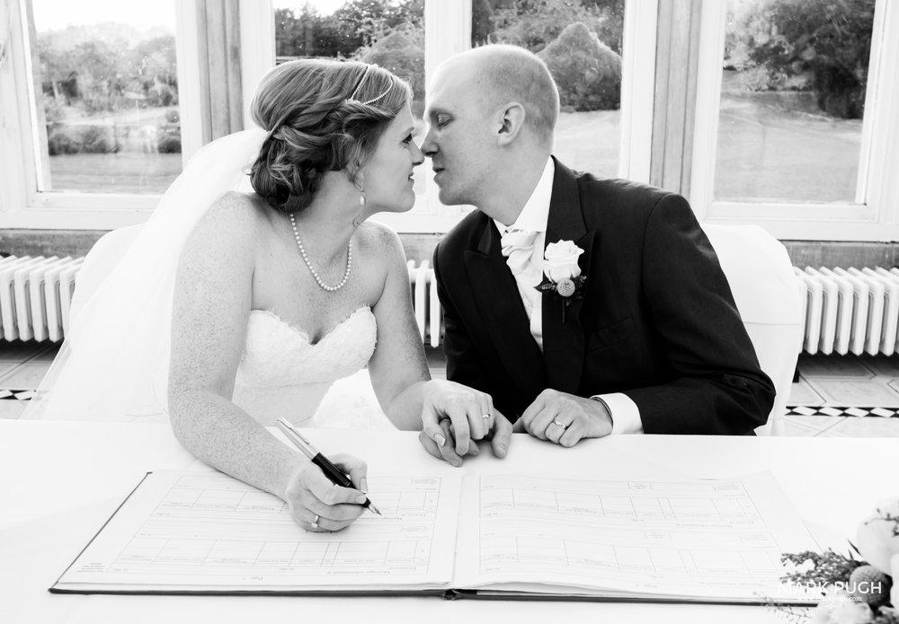 060 - Fay and Craig - fineART Wedding Photography at Stoke Rochford Hall NG33 5EJ by www.markpugh.com Mark Pugh of www.mpmedia.co.uk_.JPG