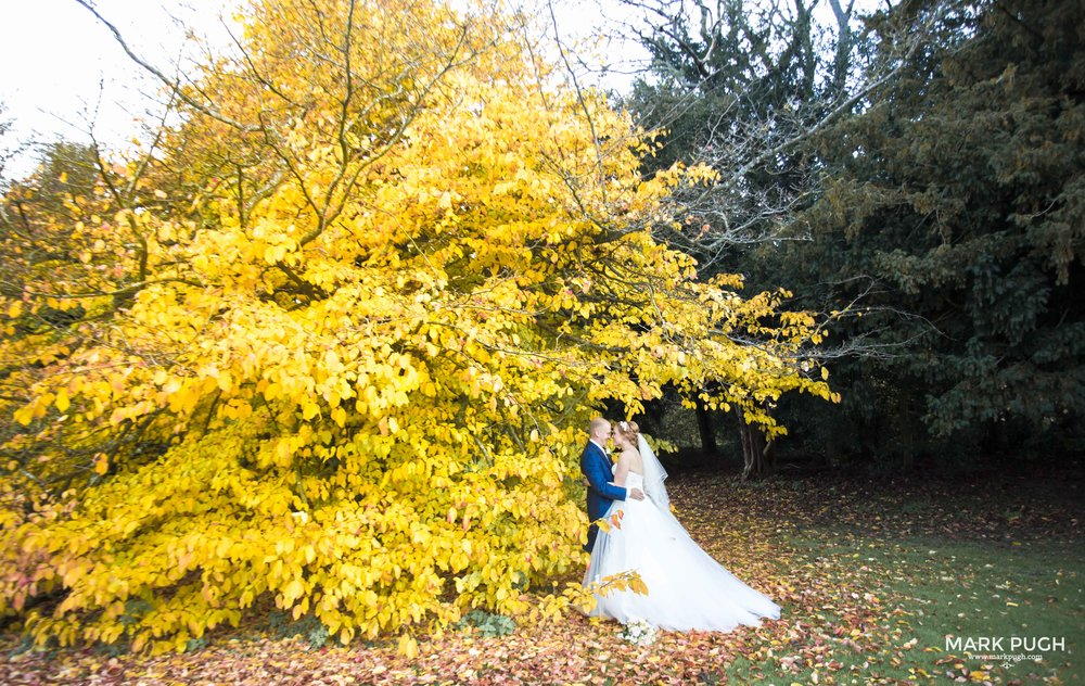 088 - Fay and Craig - fineART Wedding Photography at Stoke Rochford Hall NG33 5EJ by www.markpugh.com Mark Pugh of www.mpmedia.co.uk_.JPG