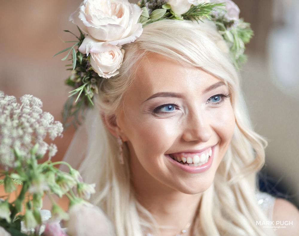 117 - Elloise and Ben - fineART wedding at Hazel Gap Barn NG22 9EY by www.markpugh.com Mark Pugh of www.mpmedia.co.uk_.JPG