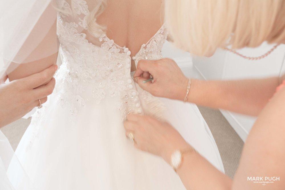 073 - Elloise and Ben - fineART wedding at Hazel Gap Barn NG22 9EY by www.markpugh.com Mark Pugh of www.mpmedia.co.uk_.JPG