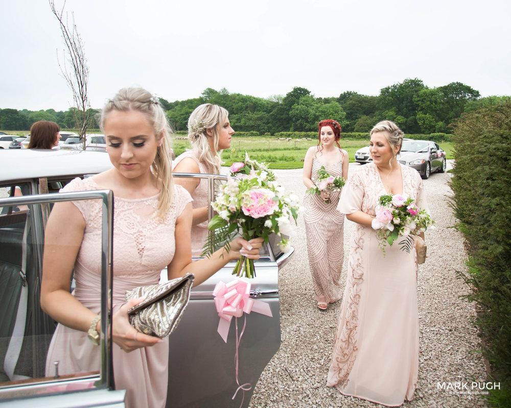 079 - Elloise and Ben - fineART wedding at Hazel Gap Barn NG22 9EY by www.markpugh.com Mark Pugh of www.mpmedia.co.uk_.JPG
