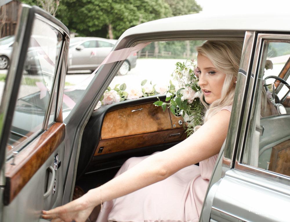 081 - Elloise and Ben - fineART wedding at Hazel Gap Barn NG22 9EY by www.markpugh.com Mark Pugh of www.mpmedia.co.uk_.JPG