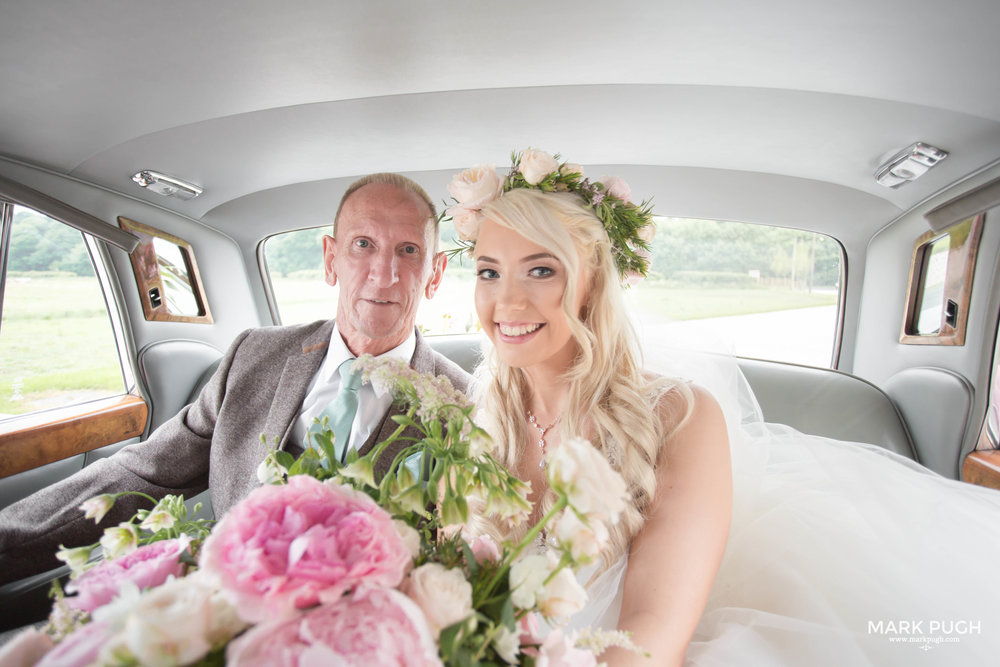082 - Elloise and Ben - fineART wedding at Hazel Gap Barn NG22 9EY by www.markpugh.com Mark Pugh of www.mpmedia.co.uk_.JPG