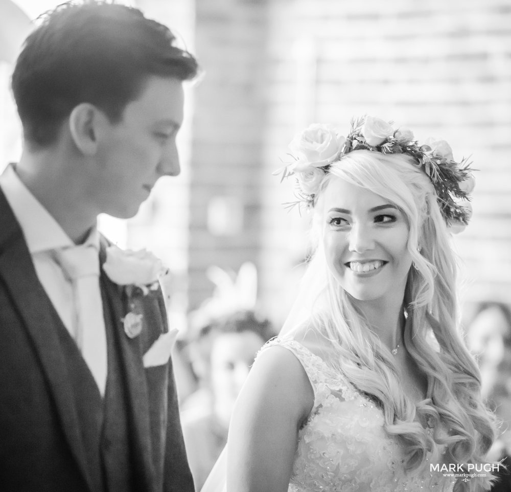 100 - Elloise and Ben - fineART wedding at Hazel Gap Barn NG22 9EY by www.markpugh.com Mark Pugh of www.mpmedia.co.uk_.JPG