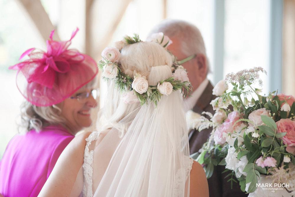 147 - Elloise and Ben - fineART wedding at Hazel Gap Barn NG22 9EY by www.markpugh.com Mark Pugh of www.mpmedia.co.uk_.JPG