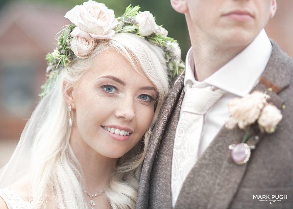 167 - Elloise and Ben - fineART wedding at Hazel Gap Barn NG22 9EY by www.markpugh.com Mark Pugh of www.mpmedia.co.uk_.JPG