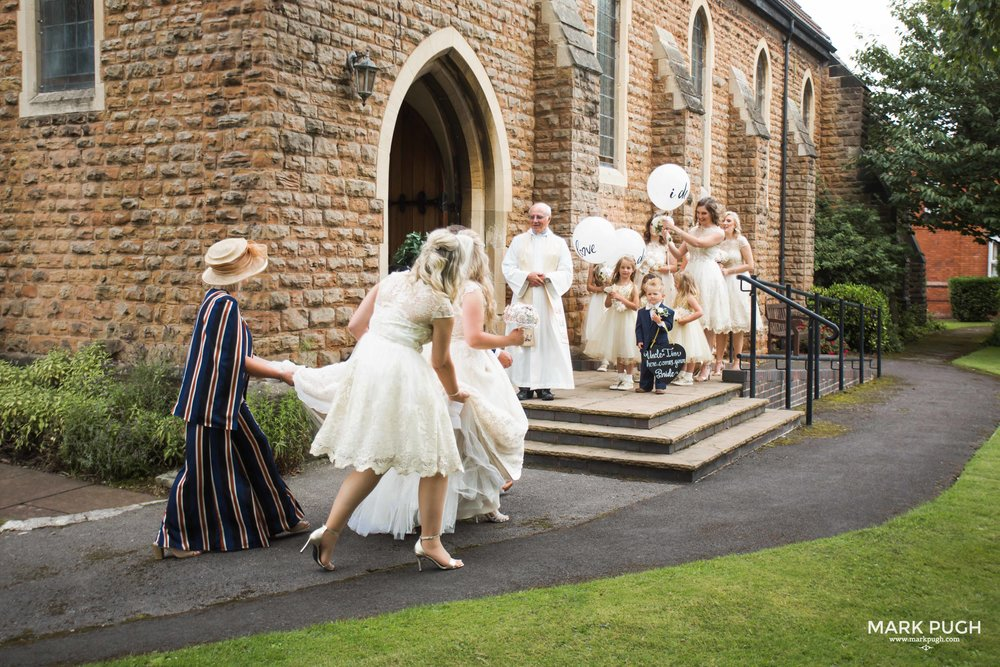 039 - Lucy and Tim - fineART wedding photography featuring the Goosedale Conference and Banqueting venue NG6 8UJ by www.markpugh.com Mark Pugh of www.mpmedia.co.uk_.JPG