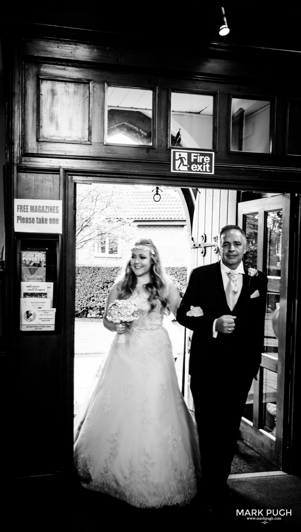 043 - Lucy and Tim - fineART wedding photography featuring the Goosedale Conference and Banqueting venue NG6 8UJ by www.markpugh.com Mark Pugh of www.mpmedia.co.uk_.JPG