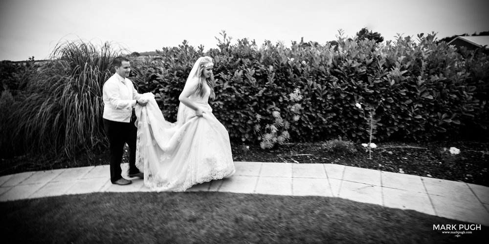 105 - Lucy and Tim - fineART wedding photography featuring the Goosedale Conference and Banqueting venue NG6 8UJ by www.markpugh.com Mark Pugh of www.mpmedia.co.uk_.JPG